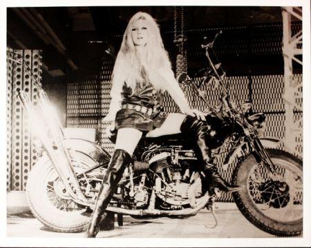Screenprint Young - Brigitte Bardot sur sa Harley Davidson