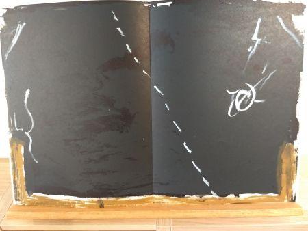 Illustrated Book Tàpies - DLM168