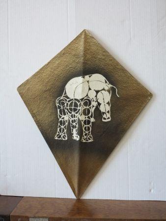Intaglio Toledo - Elephant kite II