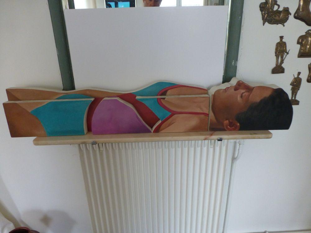 No Technical Maddox - Femme allongée en maillot une pièce