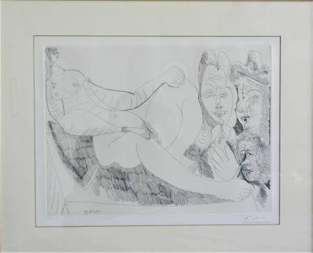 Engraving Picasso - Femme au Lit avec Visiteurs en Costume du XVII Siecle