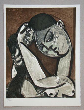 Lithograph Picasso - Femme se coiffant, 1955