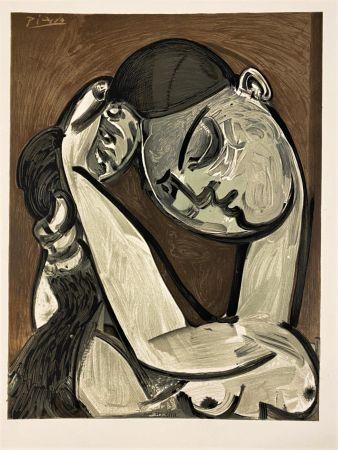 Lithograph Picasso - Femme se coiffant 1955