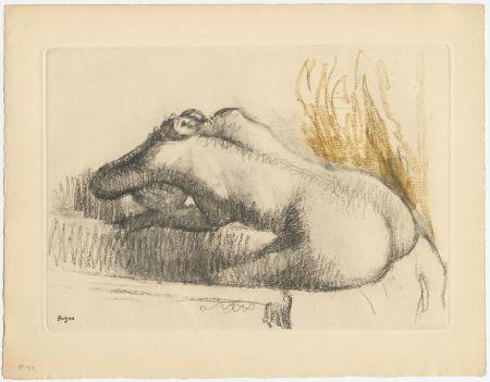 Etching And Aquatint Degas - Femme se lavant dans sa baignoire (vers 1892)