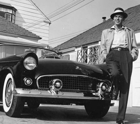 Photography Worth - Frank Sinatra next to his T-Bird