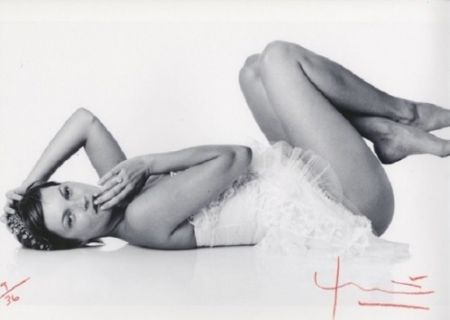 Photography Stern - Kate Moss. Laying down
