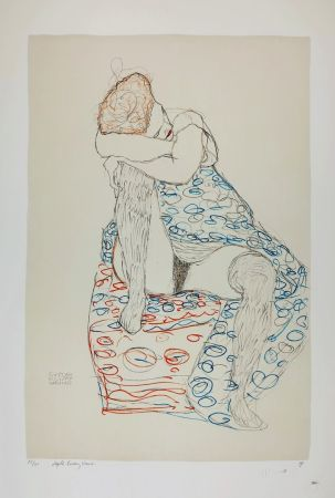 Lithograph Klimt - La  fille aux bas de soie assise sur le tabouret, 1910 / Sitzende mit gerafftem Rock / Seated Female Semi-Nude in Patterned Dress, Her Head Resting on Her Right Knee
