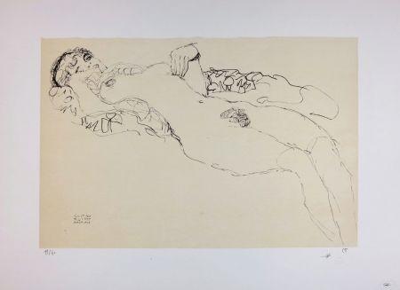 Lithograph Klimt - Liegender Mädchenakt nach links / Reclining female nude facing left - 1914