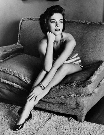 Photography Worth - Natalie Wood classic portrait on sofa