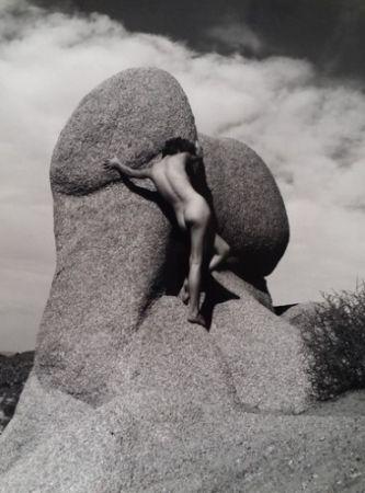 Photography De Dienes  - Nu sur le rocher