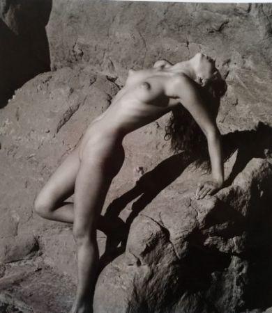Photography De Dienes  - Nu sur les rochers