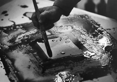 Photography Blum - Sam Francis in his studio