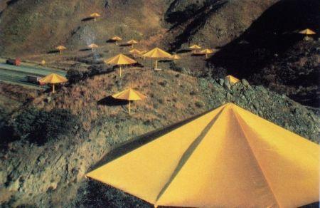 Multiple Christo - The Umbrellas, Japon-USA, 1984-91, California, USA Site