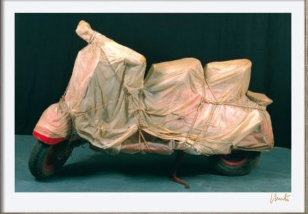Lithograph Christo - Wrapped Vespa